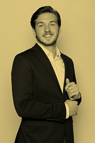 Derek Dubèl, casemanager